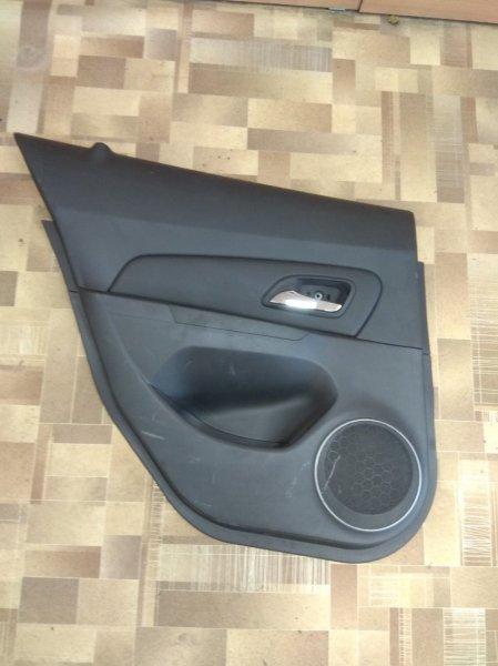 Обшивка дверей Chevrolet Cruze задняя левая