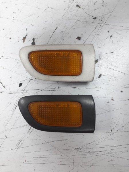 Поворотник в крыло Toyota Caldina AT210 передний левый