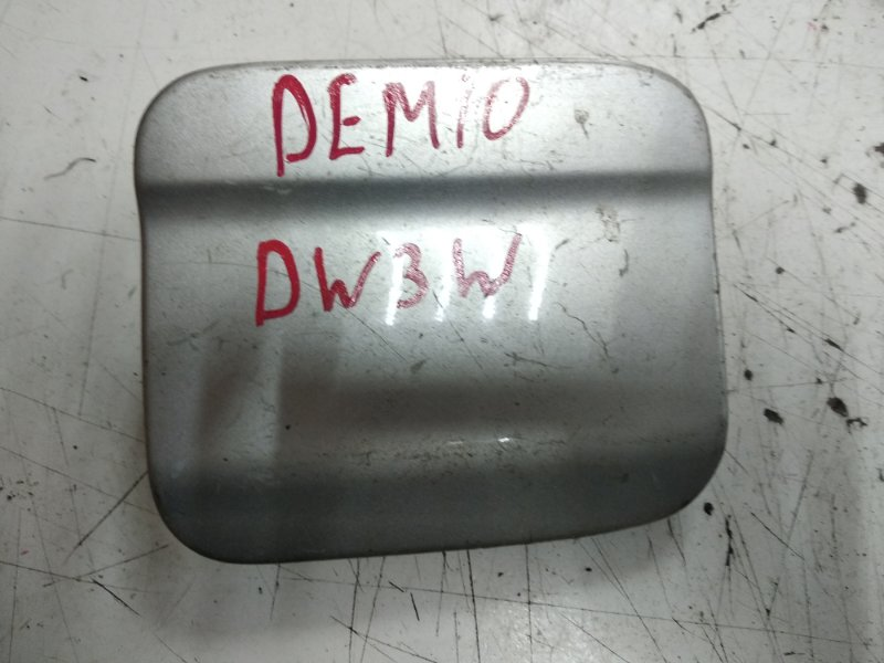 Лючок бензобака Mazda Demio DW3W