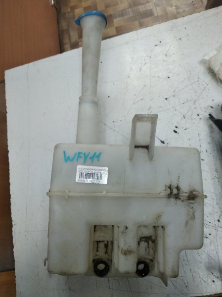 Бачок омывателя Nissan Wingroad Y11