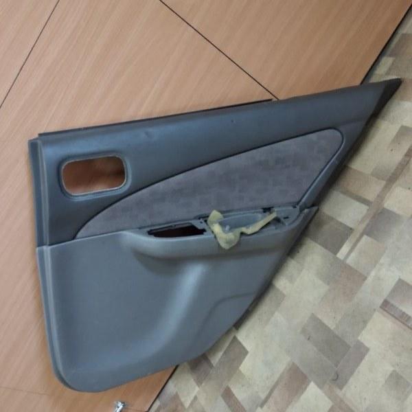 Обшивка двери Nissan Sunny FB15 задняя правая