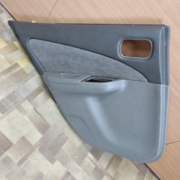 Обшивка двери Nissan Sunny FB15 задняя левая