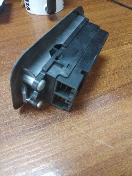 Блок упр. стеклоподьемниками Nissan Cefiro A31 передний левый