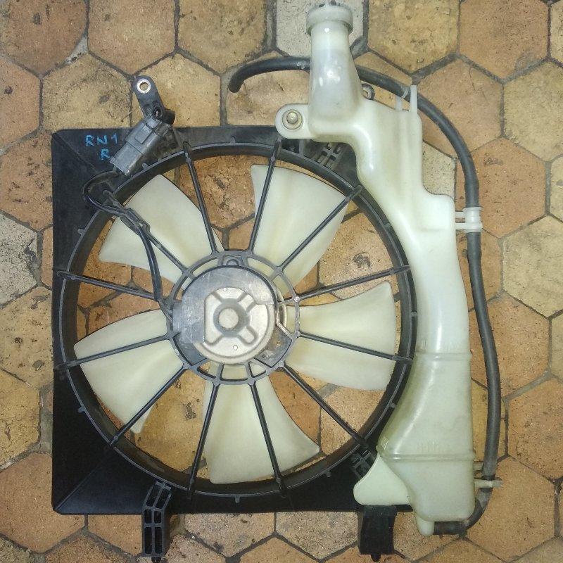 Диффузор радиатора Honda Stream RN1 правый