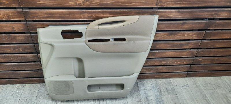 Обшивка двери Nissan Serena C25 передняя правая