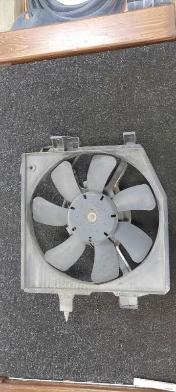 Диффузор радиатора Mazda Premacy CP8W правый