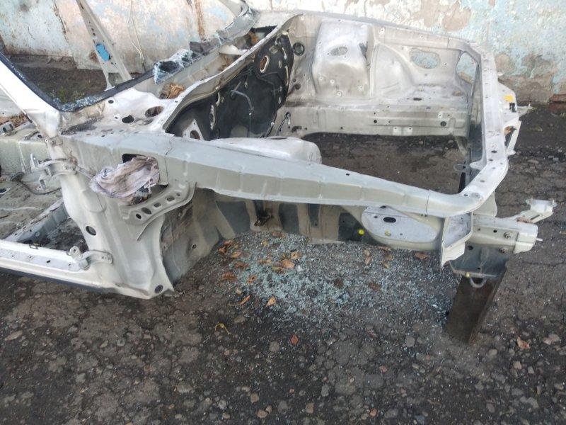 Передняя часть автомобиля Toyota Markii GX90 1GFE 1995