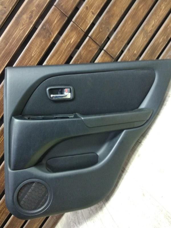 Обшивка двери Toyota Harrier MCU15-0304266 1MZFE 2002 задняя правая