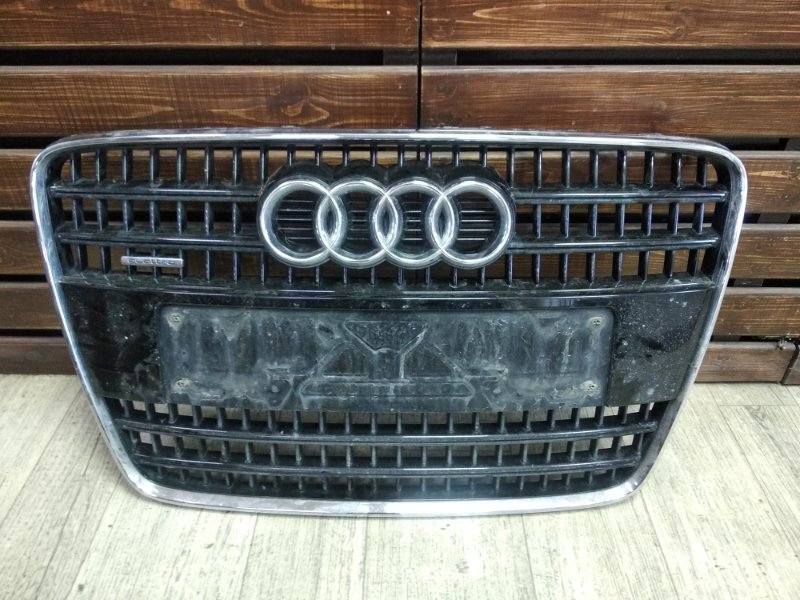 Решетка радиатора Audi Q7 4L