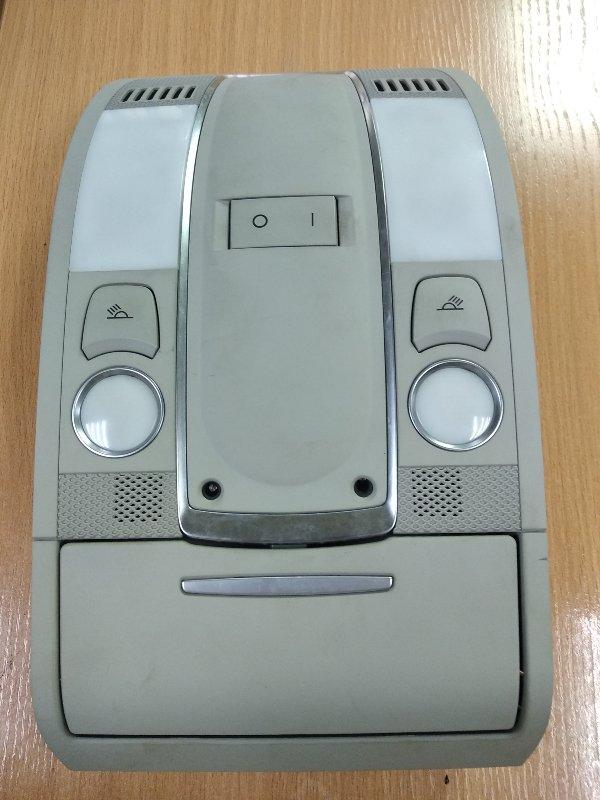 Плафон Audi Q7 4L