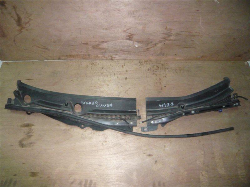 Решетка под лобовое стекло Mazda Demio DE3FS
