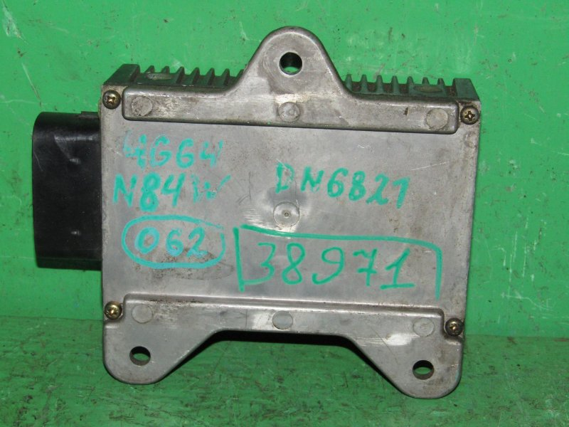 Блок управления форсунками Mitsubishi Chariot Grandis N84W 4G64 GDI