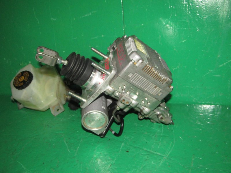 Главный тормозной цилиндр Toyota Sai AZK10 2AZ-FXE