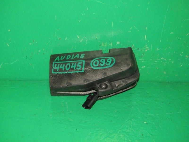 Доводчик крышки багажника Audi A8 2003 4E0827383C