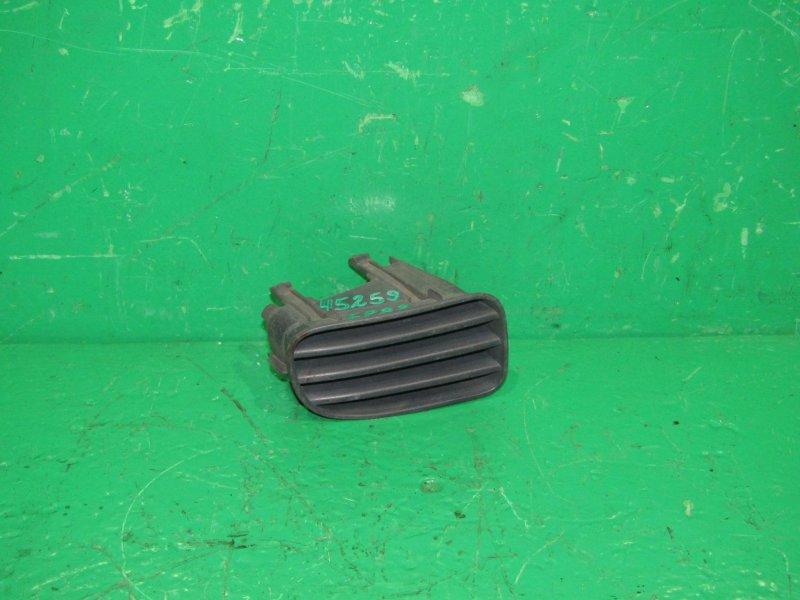 Заглушка бампера Toyota Starlet EP82 передняя правая