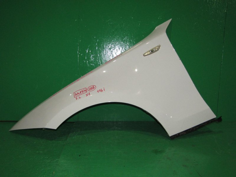 Крыло Bmw 1-Series E87 10.2006 переднее левое