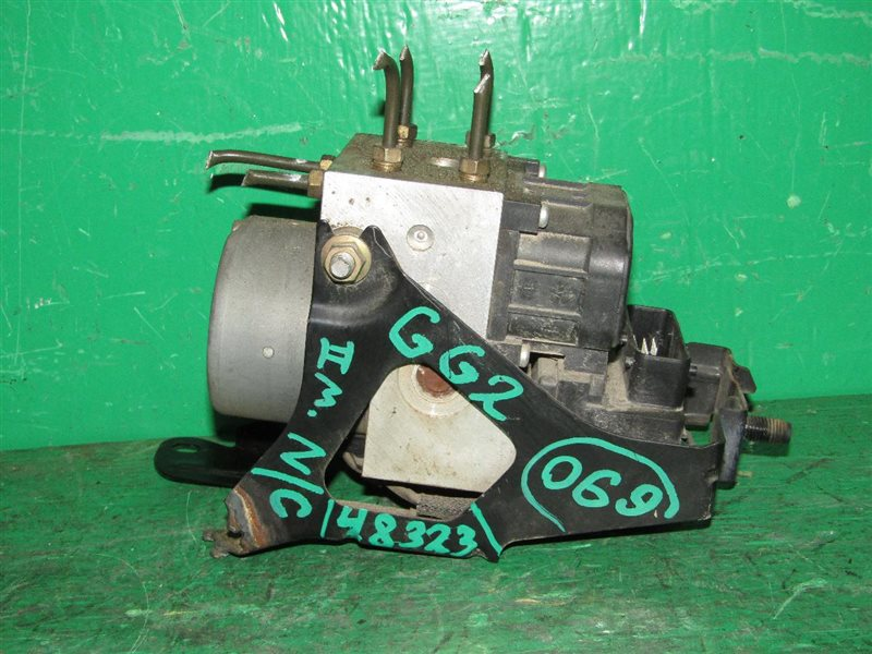 Блок управления abs Subaru Impreza GG2 EJ152 27534-FE150