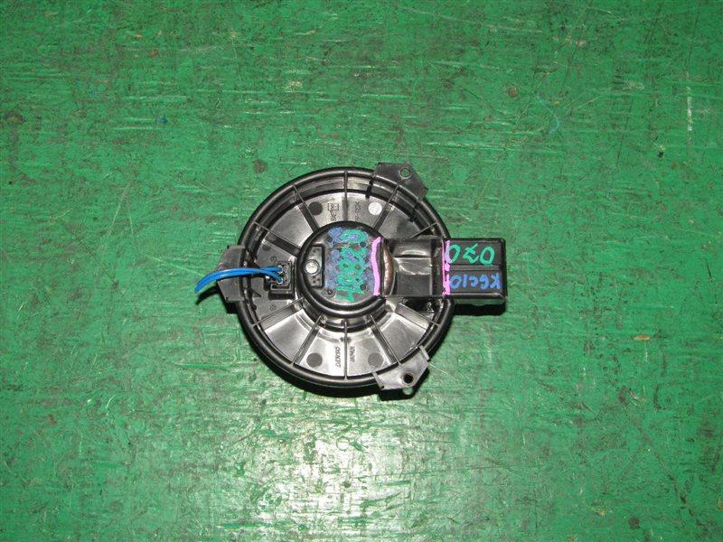 Мотор печки Toyota Passo KGC10