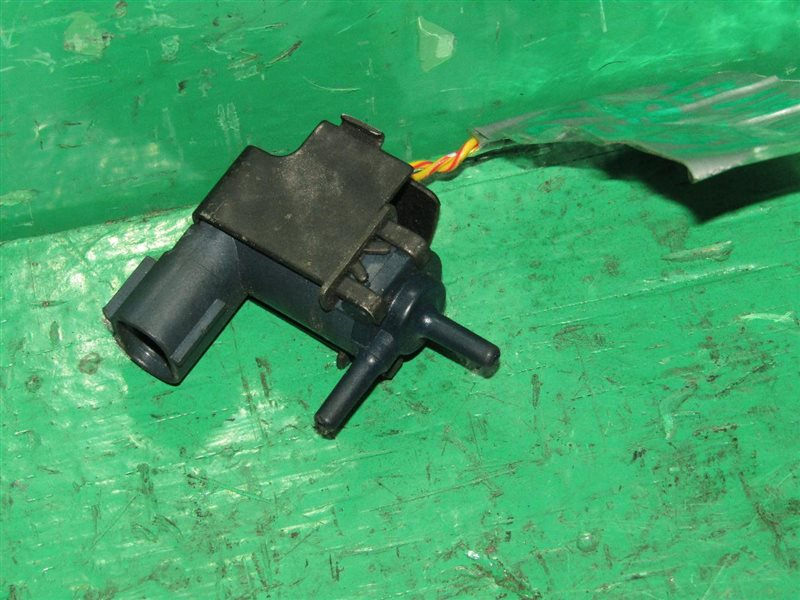 Вакуумный клапан Toyota Sprinter AE110 5A-FE 90910-12143