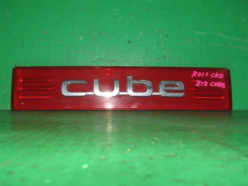 Вставка багажника Nissan Cube Z12 задняя 82-44