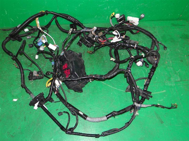Проводка под капотом Honda Step Wagon RK1 R20A
