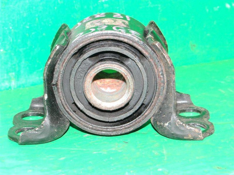 Крепление балки подвески Toyota Soarer JZZ31 2JZ-GE заднее 52205-24010