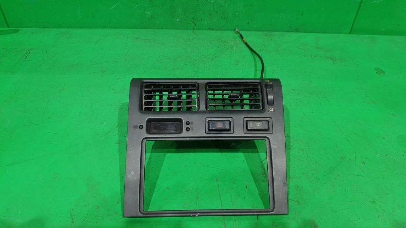 Рамка магнитофона Toyota Caldina ET196