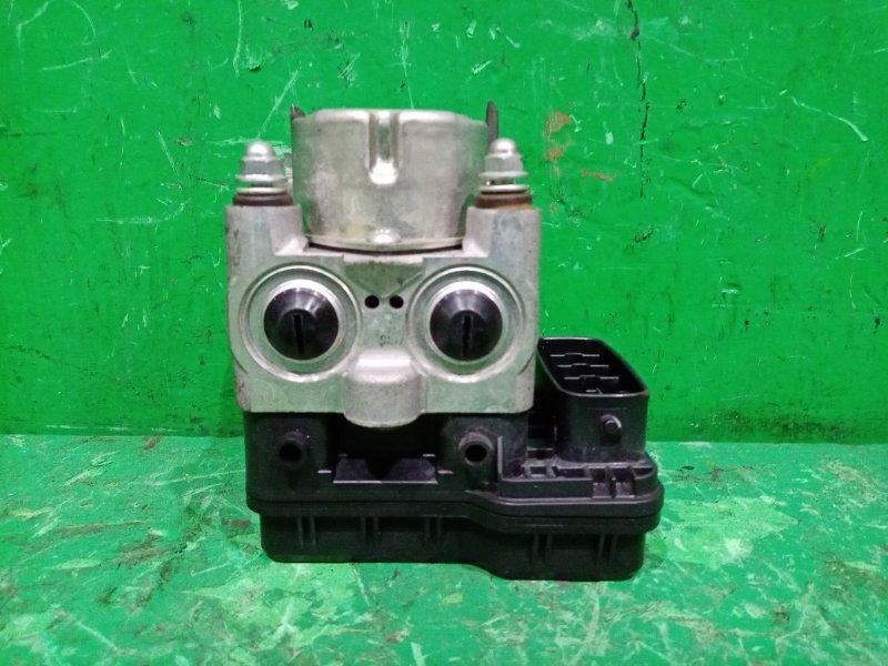 Блок управления abs Toyota Ipsum ACM21 2AZ-FE 44510-44110, 89541-44130