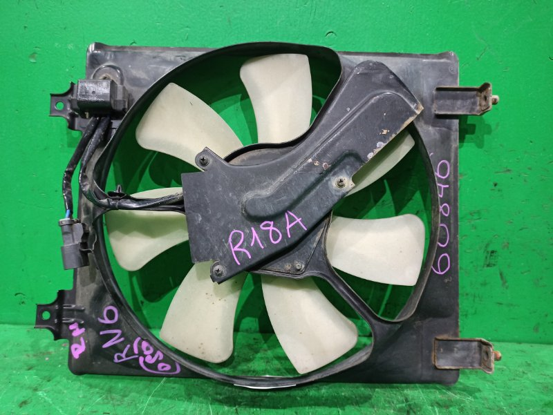 Диффузор радиатора Honda Stream RN6 R18A правый