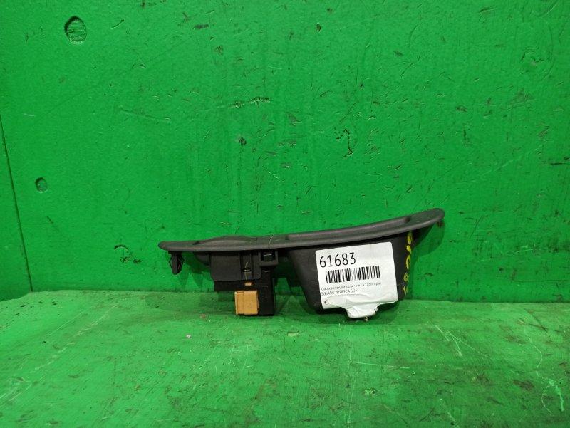 Кнопка стеклоподъемника Subaru Impreza GDA задняя правая
