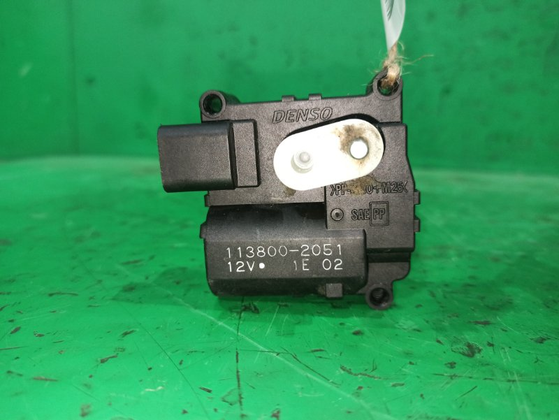 Сервопривод заслонок печки Toyota Wish ZNE10 113800-2051