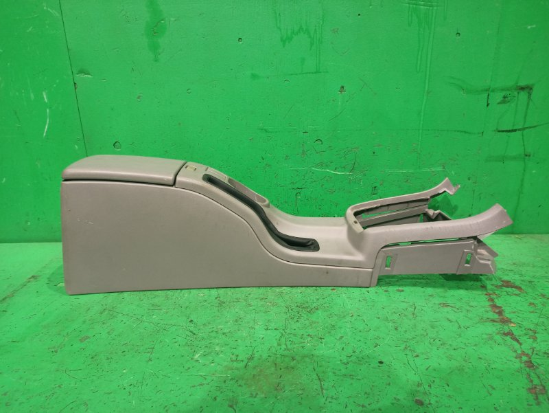 Консоль между сидения Subaru Forester SG5 92132-SA000