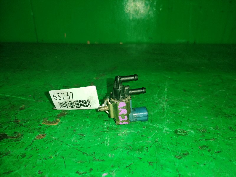 Вакуумный клапан Nissan Presage TU30 QR25DE FDBD100