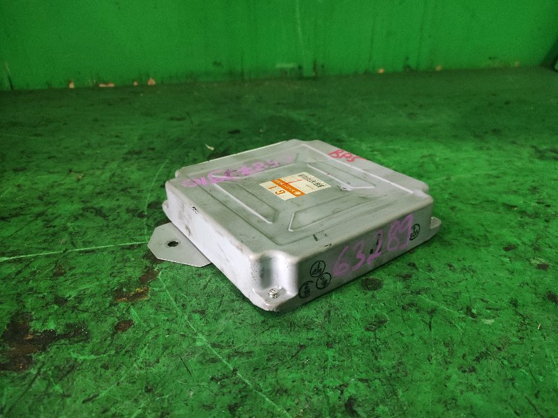 Блок управления efi Subaru Legacy BP5 EJ20X 22611-AK233