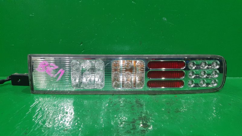 Стоп-сигнал Nissan Cube BZ11 задний правый D052