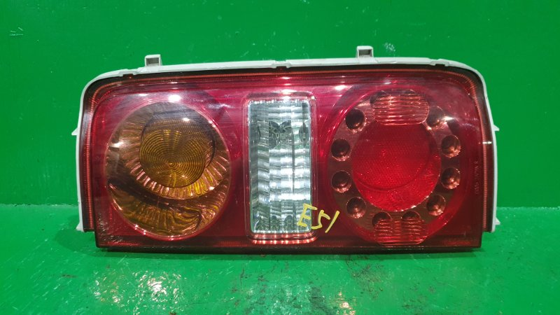 Стоп-сигнал Nissan Elgrand E51 задний правый D005