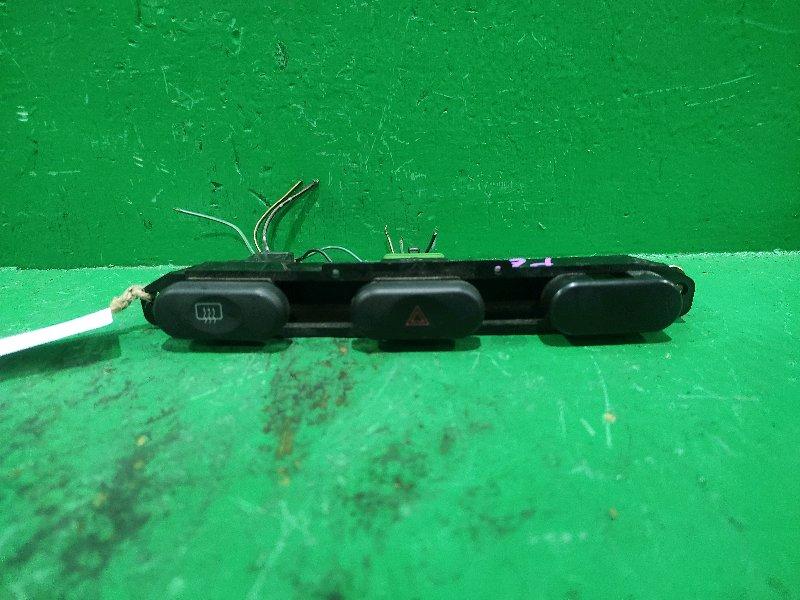 Кнопка аварийной сигнализации Mitsubishi Delica PE6W MB958592