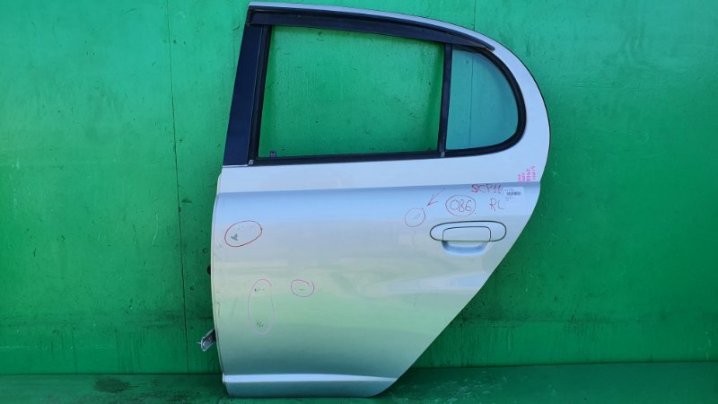 Дверь Toyota Platz SCP11 задняя левая