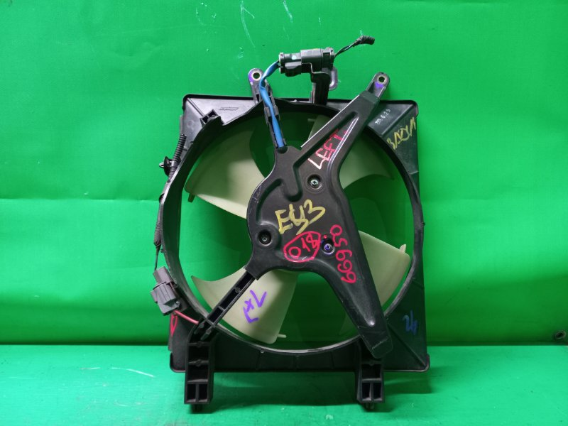 Диффузор радиатора Honda Civic ES3 левый