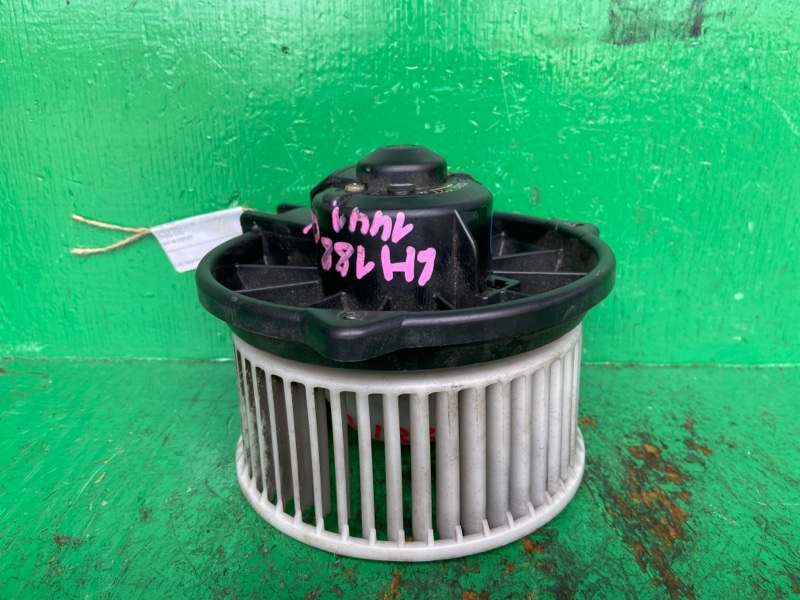 Мотор печки Toyota Hiace LH188 194000-0282