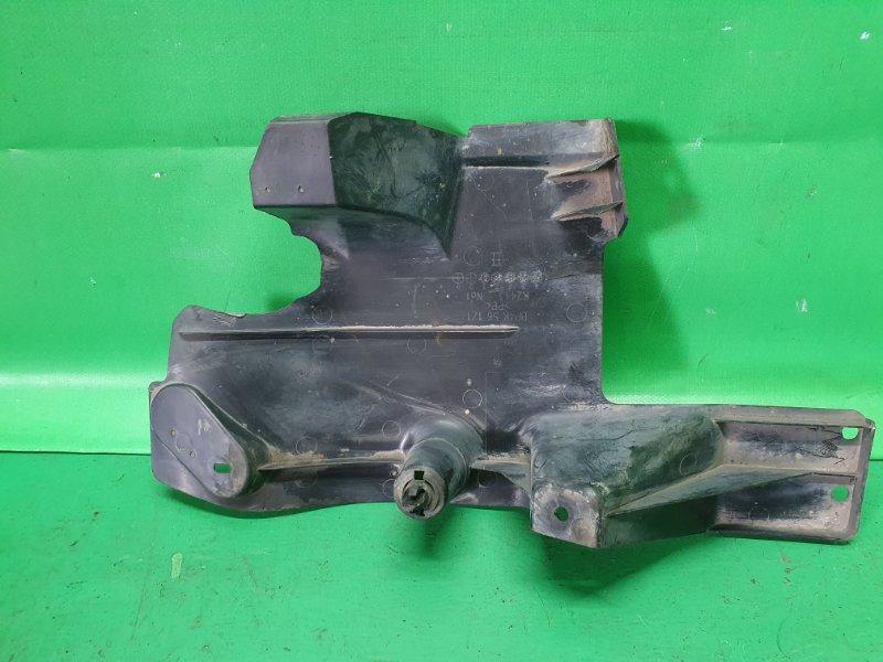 Защита днища Mazda Axela BK5P задняя правая BP4K56171