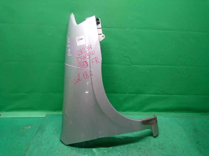 Крыло Mazda Demio BW3W переднее правое