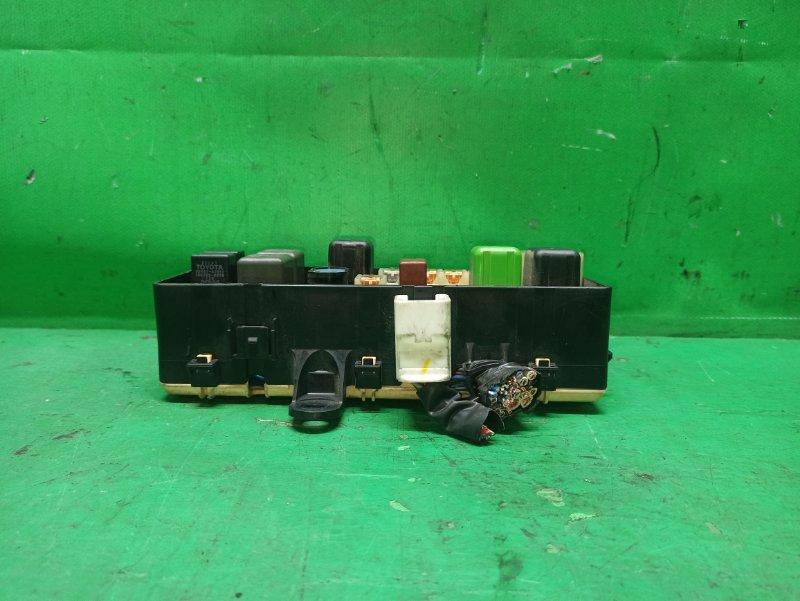 Блок предохранителей Toyota Hiace KZH106 1KZ-TE 82660-26030
