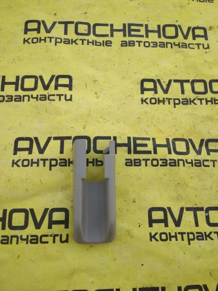 Крышка петли сиденья Toyota Nadia ACN10-0005543 1AZFSE 2001 передняя правая