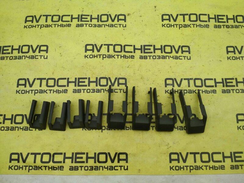 Крышка петли сиденья Nissan Tiida Latio SNC11-122805 HR15 2007