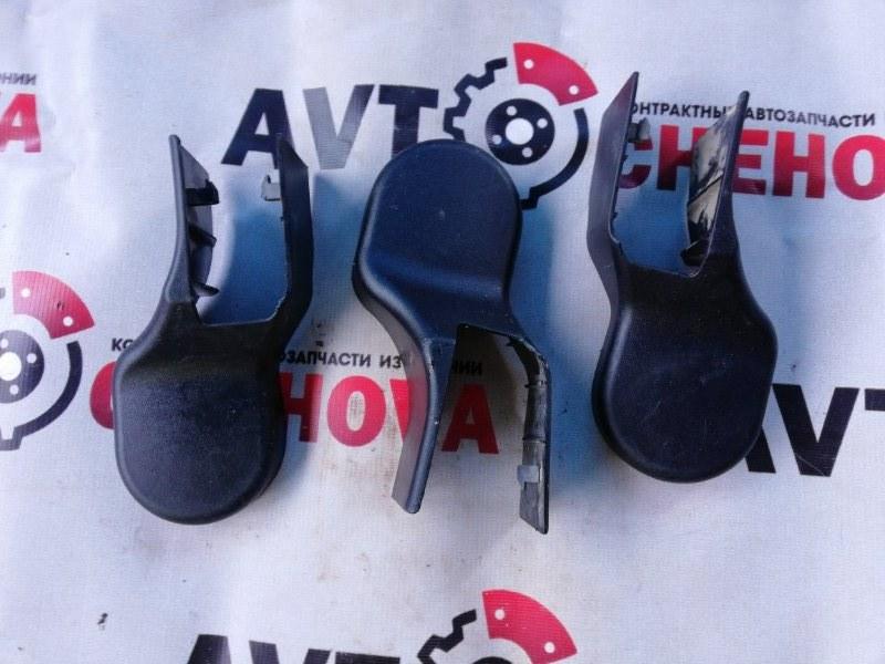Крышка петли сиденья Mitsubishi L200 2006