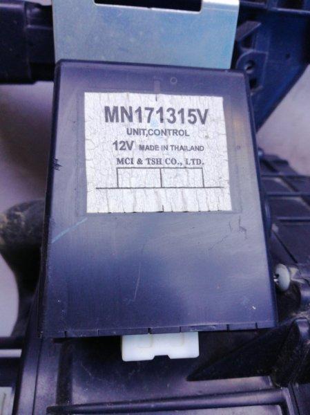 Блок управления 4wd Mitsubishi L200 2006