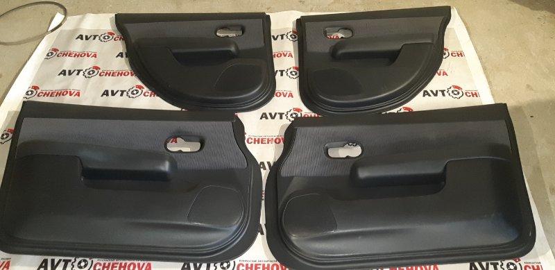 Обшивка двери Nissan Tiida Latio SC11-207080 HR15DE 2010