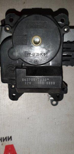 Сервопривод заслонок печки Toyota Ipsum SXM10-0205931 3SFE 1999