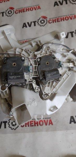 Сервопривод заслонок печки Toyota Noah ZRR-70 2008